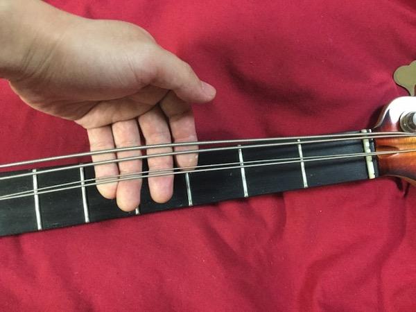 弦を緩める