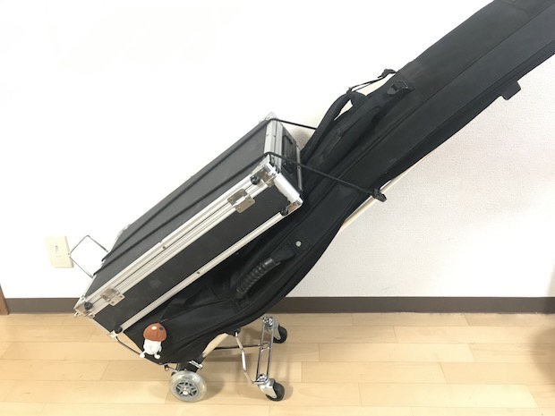 楽器を運ぶキャリーカート