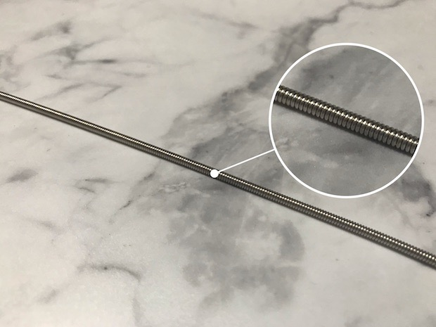 格安弦の表面